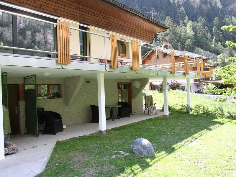 Spacious Apartment in St Niklaus near Mattertal Ski Area, location de vacances à St. Niklaus