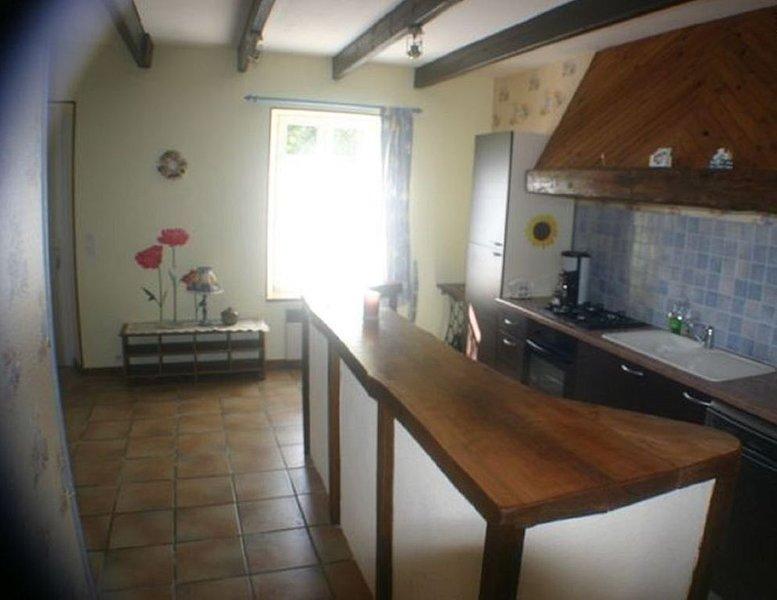 GITE La CORBEILLE 6 Personnes avec PISCINE, vacation rental in Loguivy-Plougras