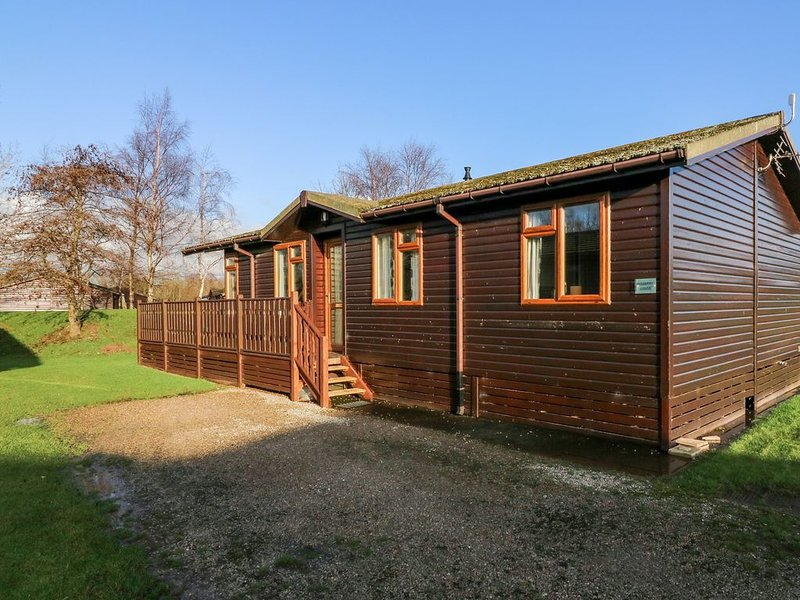 Mulberry, SOUTH LAKELAND LEISURE VILLAGE, holiday rental in Over Kellet