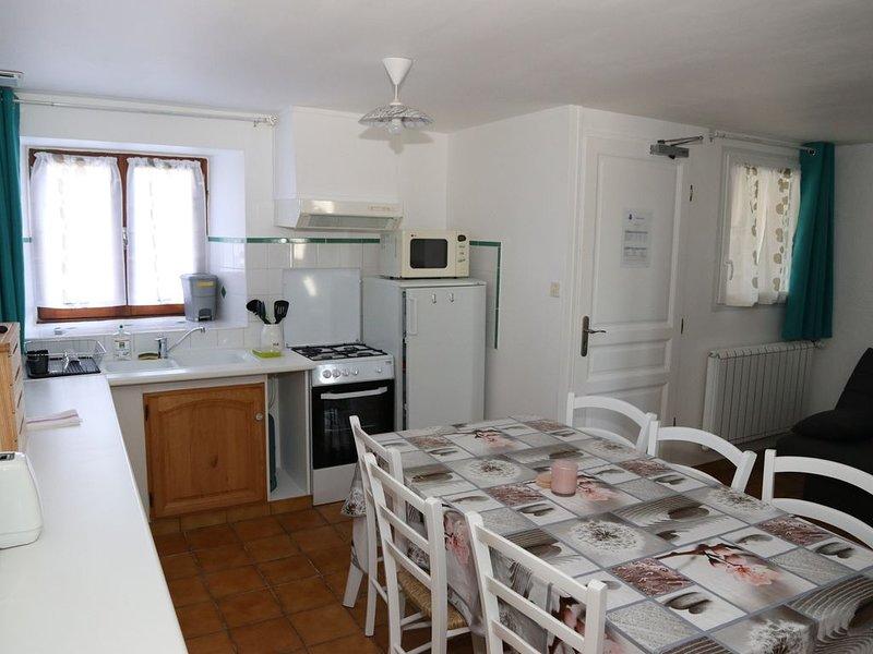 Gite TARA pour 1 à 6 personnes en Aveyron, holiday rental in Crespin