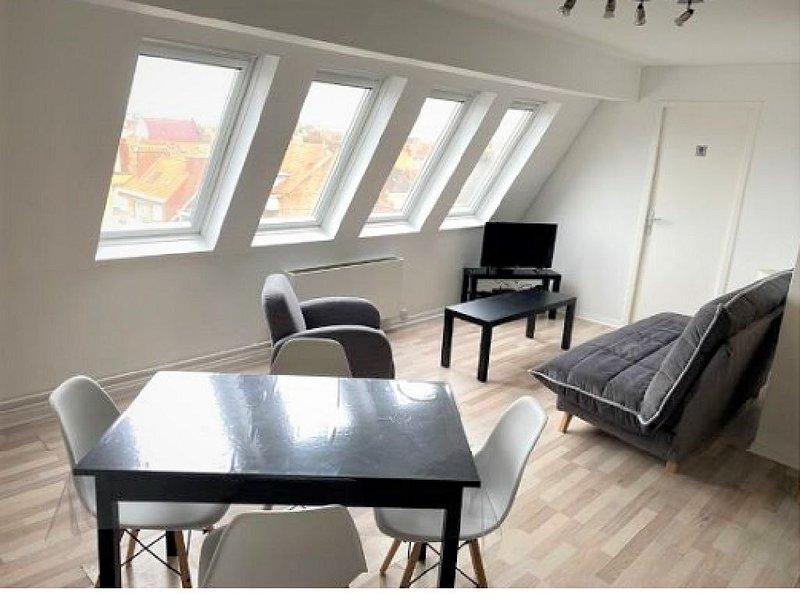 Appartement Lumineux 300m Plage avec Boîte à Livre, holiday rental in Gravelines