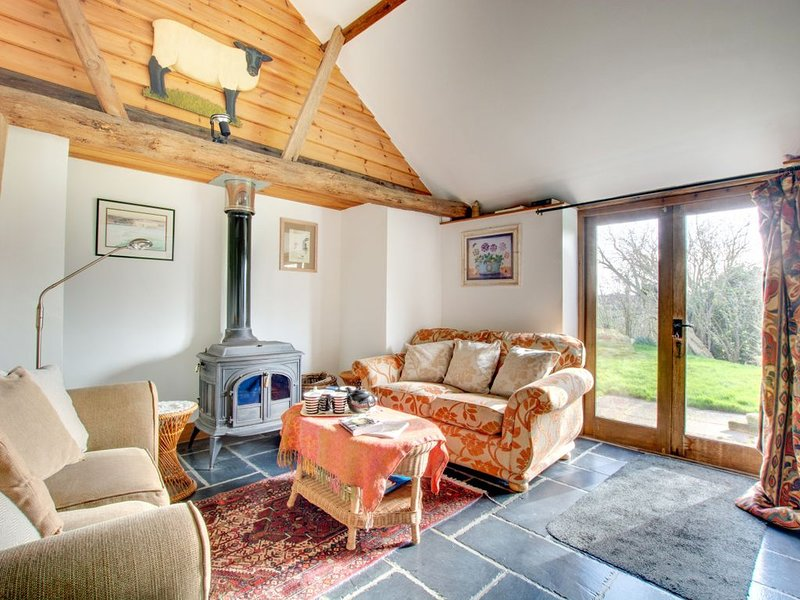 Oast House Cottage - Two Bedroom House, Sleeps 5, vacation rental in Icklesham