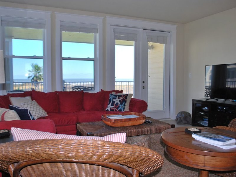 Perfect beachfront Sandcastle Escape at Pointe West in Galveston, TX, holiday rental in Jamaica Beach