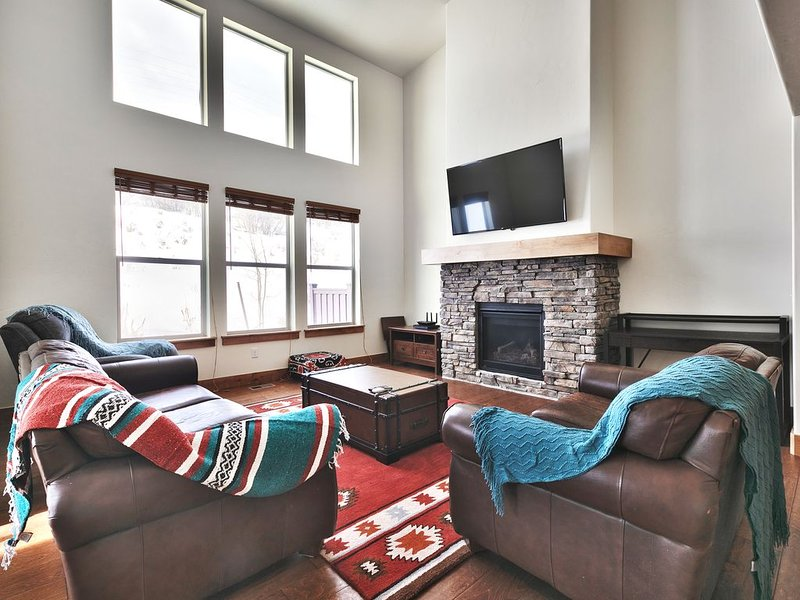 Right Around The Mountain From Park City! 5 Mins to Downtown Park City!!, vacation rental in Park City