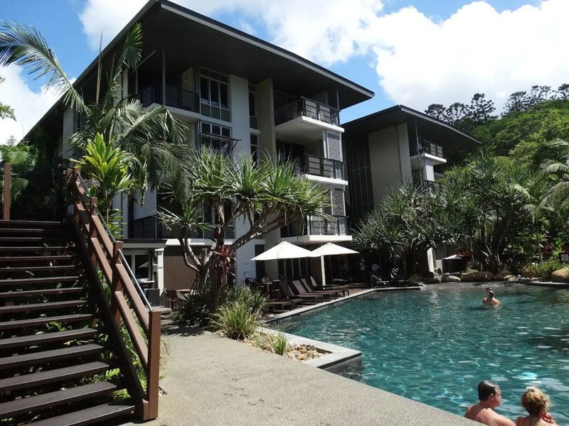 2 bedroom luxury apartment minutes from the beach., holiday rental in Noosa Heads