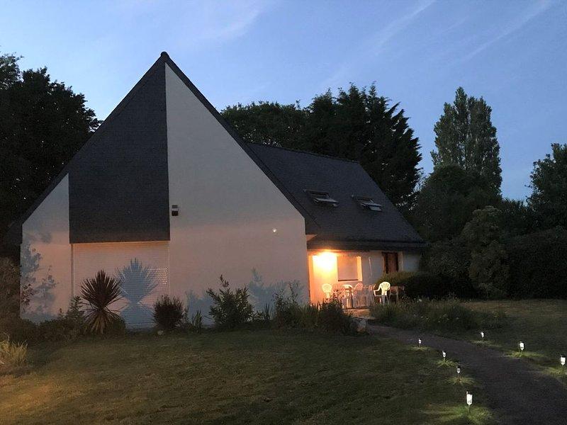 Grande maison familiale proche de la mer pour 4 personnes, alquiler de vacaciones en La Forêt-Fouesnant