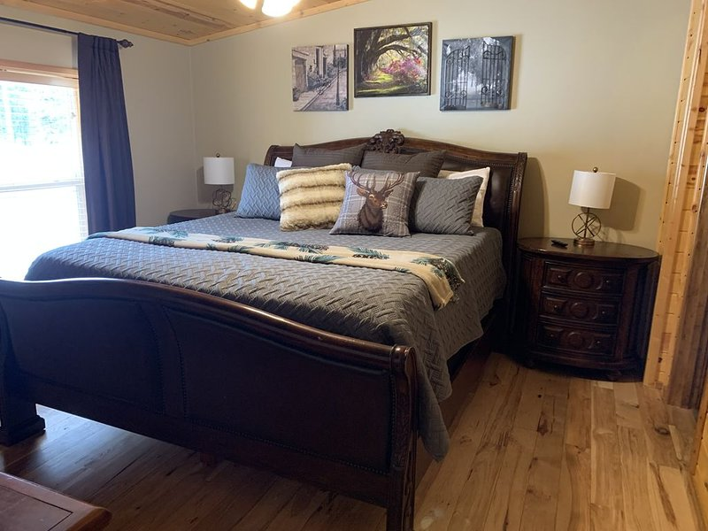 Beautiful and Comfortable and only 20 minutes to Yellowstone., location de vacances à Island Park