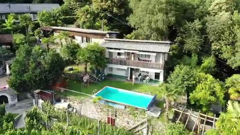 Private Apartment • Pool • BBQ Area • Great View • Hiking, holiday rental in Cugnasco