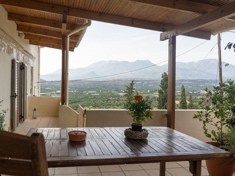 Serenity View Apartment, vacation rental in Lentas