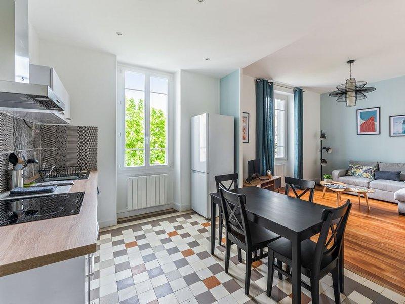Beau T3 Centre-ville - Tout inclus, holiday rental in Saint-Apollinaire