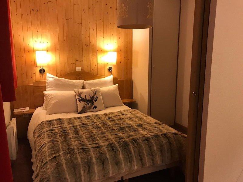 Appartement cosy au pied des pistes, piscine chauffée extérieure, sauna, garage, holiday rental in Saint Michel de Maurienne