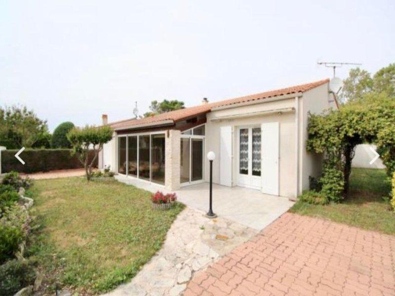 Villa 3 chambres de plain-pied à 250 m de la plage !, casa vacanza a Saint-Denis d'Oleron