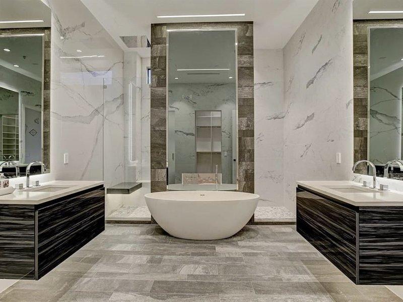 Houston Heights Luxury Retreat, holiday rental in North Houston