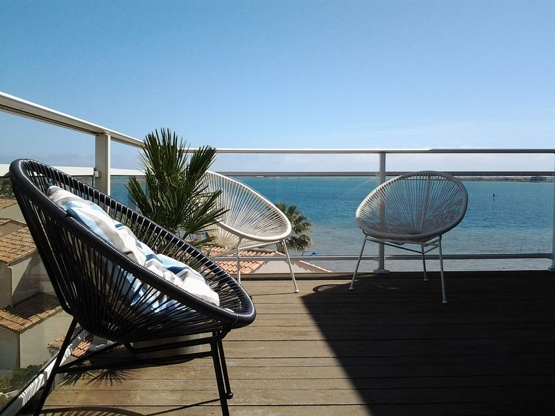Face à la mer -Gîte  ensoleillé et spacieux, location de vacances à Gruissan