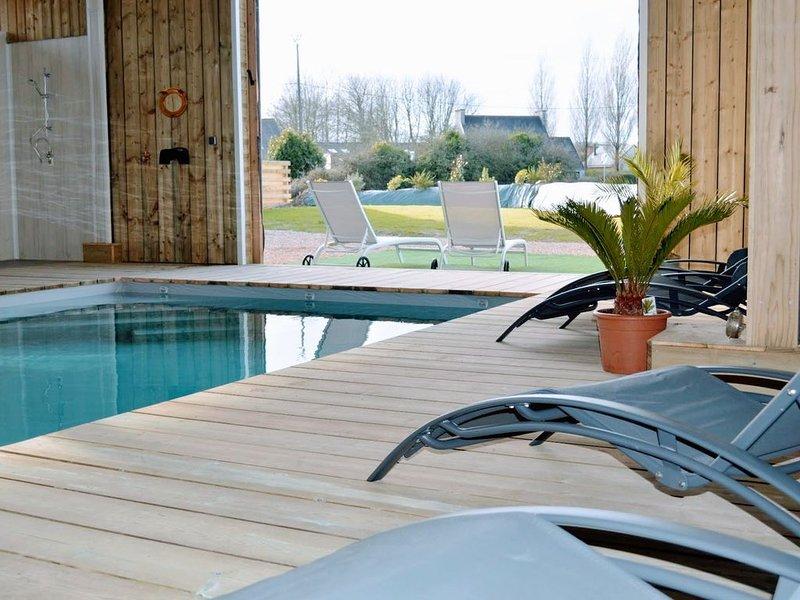 Villa avec piscine chauffée pour 10 personnes à Guissény  NOUVEAU!, holiday rental in Lesneven