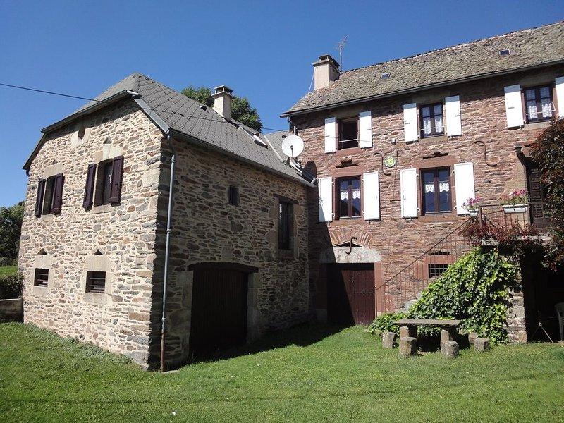 Tres beau  Gîte rustique  en AUBRAC , 'Gîte Rose' (2 à 6 personnes), holiday rental in La Canourgue