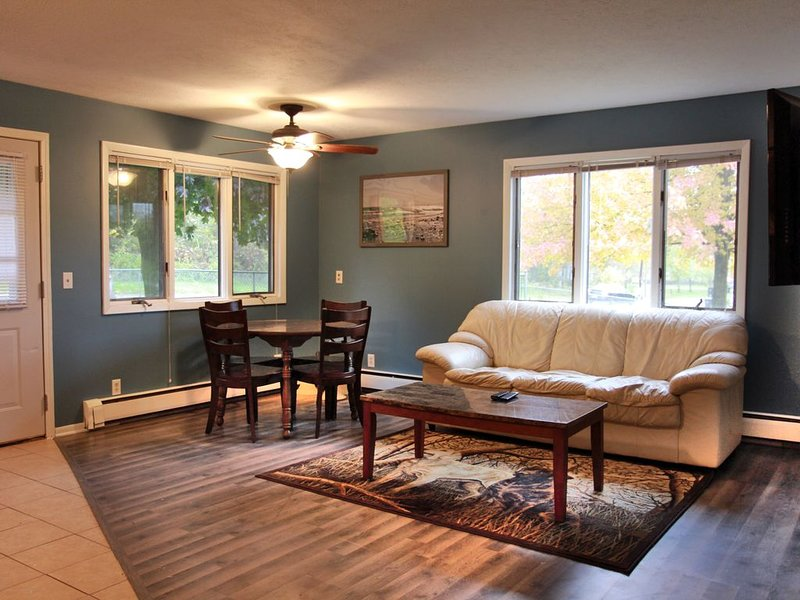 Cozy Country Getaway, vacation rental in Rockford