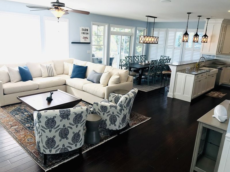 Large Lewes Beach rental! Newly decorated / perfect for large family vacations!, holiday rental in Lewes