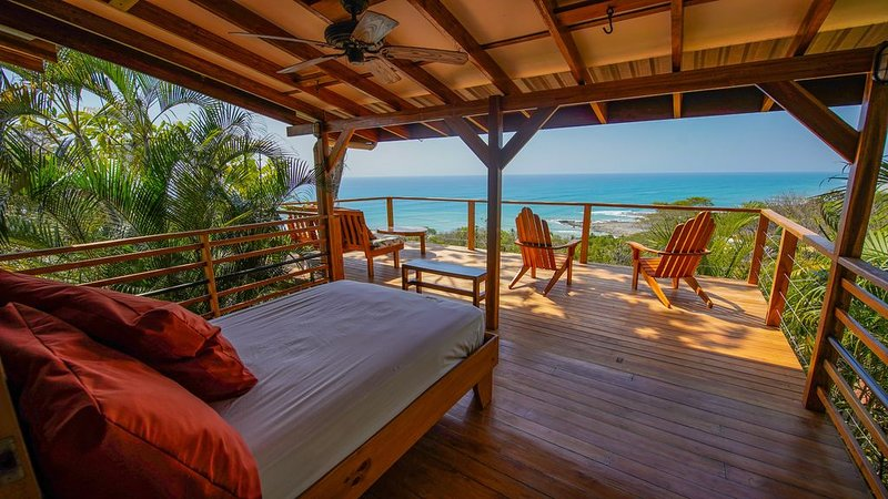 Quiet Jungle House with panoramic Ocean View, holiday rental in Mal Pais