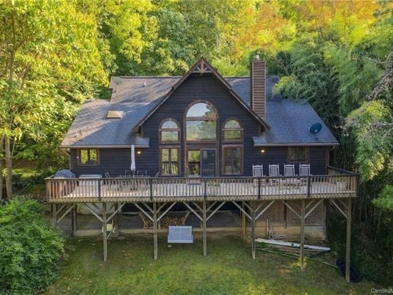 Perfect Mountain Escape. Minutes from Asheville!, Ferienwohnung in Leicester