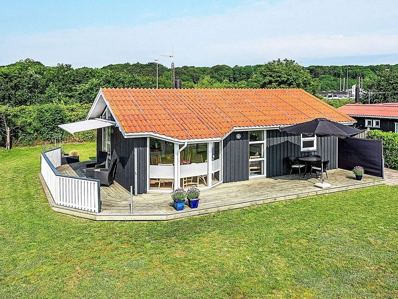 5 star holiday home in Frederikshavn, vacation rental in Asaa