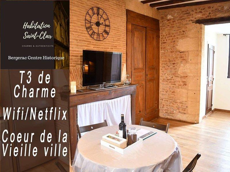 Appartement de charme 'Cyrano' 2 chambres- Habitation Saint-Clar Centre Historiq, location de vacances à Monbazillac