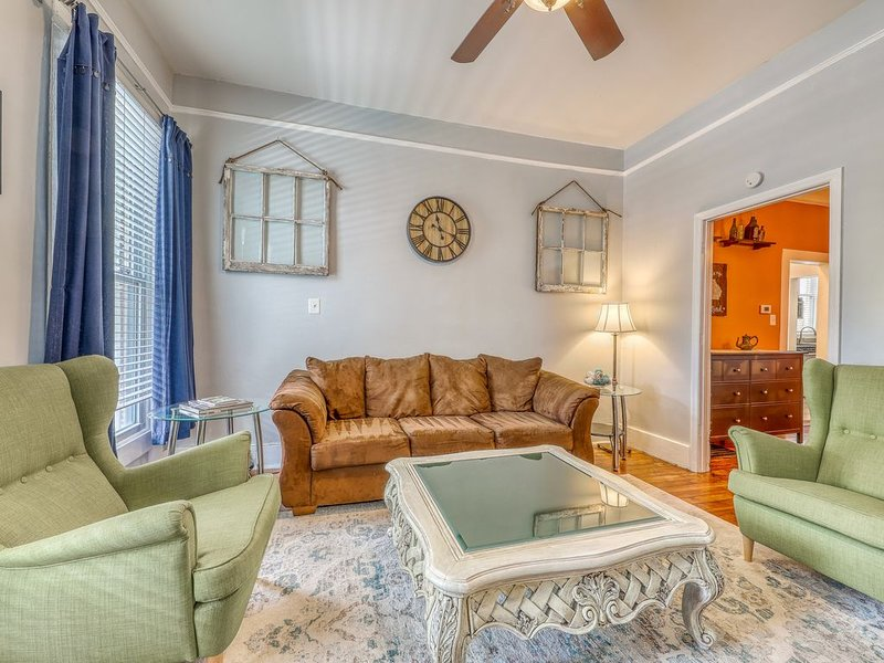 Lower level of historic home w/ shared outdoor space, vacation rental in Thunderbolt