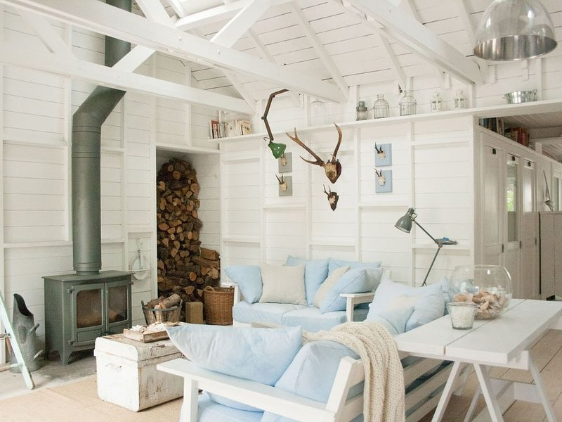Camber Cabins, a stones throw from the sea – semesterbostad i Camber