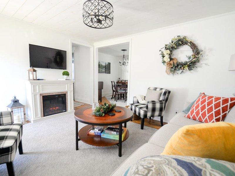 Hightower Haven,  Romantic Getaway, Mountain Views, Streams, Cottage, aluguéis de temporada em Hiawassee