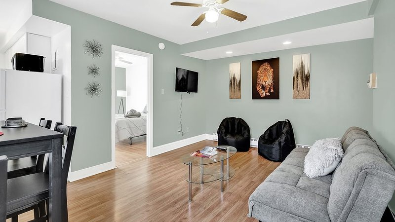 Theatre District Apartment Center City Beauty, Ferienwohnung in Collingswood