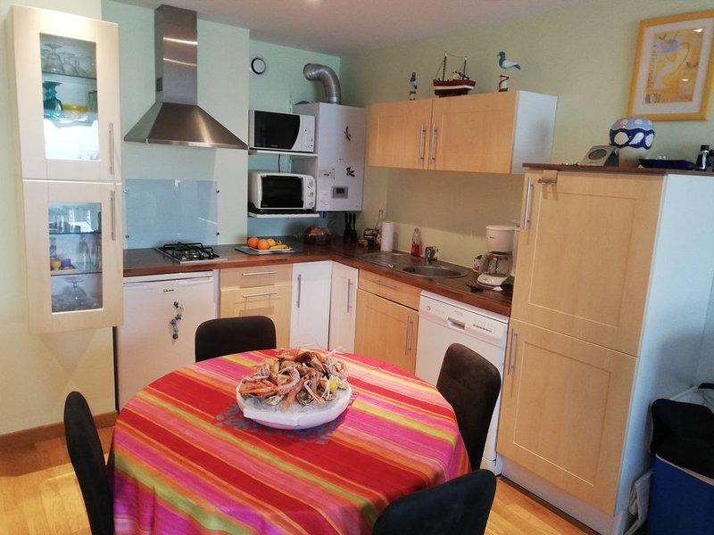 Appartement front de mer et centre ville, casa vacanza a Favieres