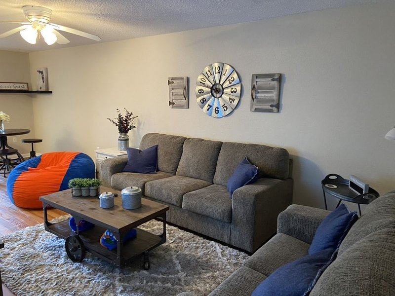Gainesville Gator Nation Retreat (I-75 & Newberry), holiday rental in High Springs