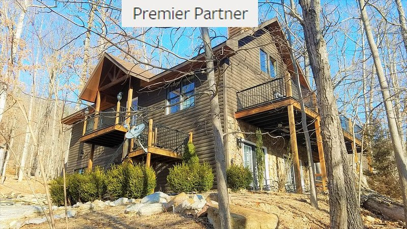 Blue Pine Lodge - Premier Partner - What a Mountain Cabin Should Be, casa vacanza a McGaheysville