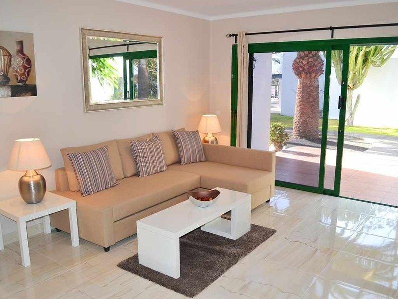 Paradise Complex L1 - Ground Floor - 2 Beds - 2 Baths - Aircon -WiFi - UKTV, vacation rental in Tias