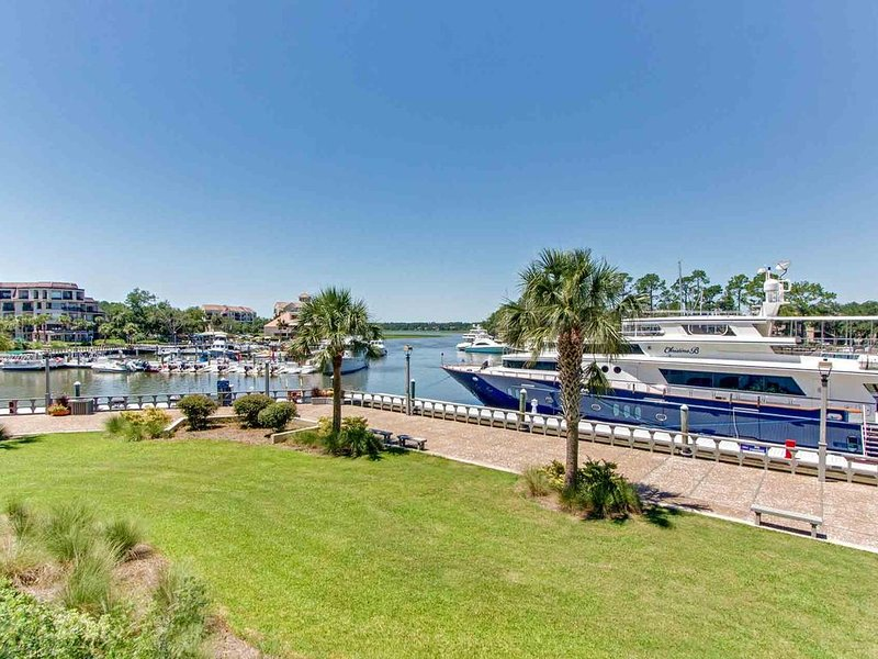 Beautifully updated harbourfront condo!, location de vacances à Bluffton