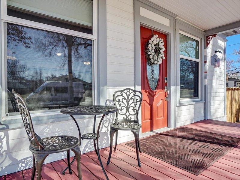 ♡ Ladybug III: Cozy Cottage with Spacious Backyard, Free Wifi & Pets Welcome, holiday rental in Fruita