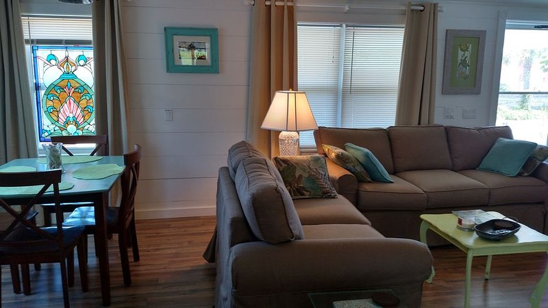Prvt home Beachside!SelfEntry Mins to DT, shppng,food.. Free wifi..great rate – semesterbostad i Saint Augustine