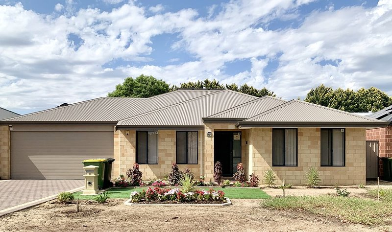 Cannington Home Accommodation House 6, holiday rental in Canning