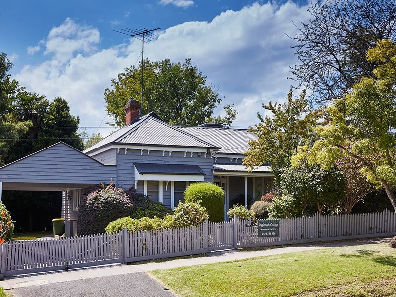 Inglenook Cottage Healesville – semesterbostad i Narbethong