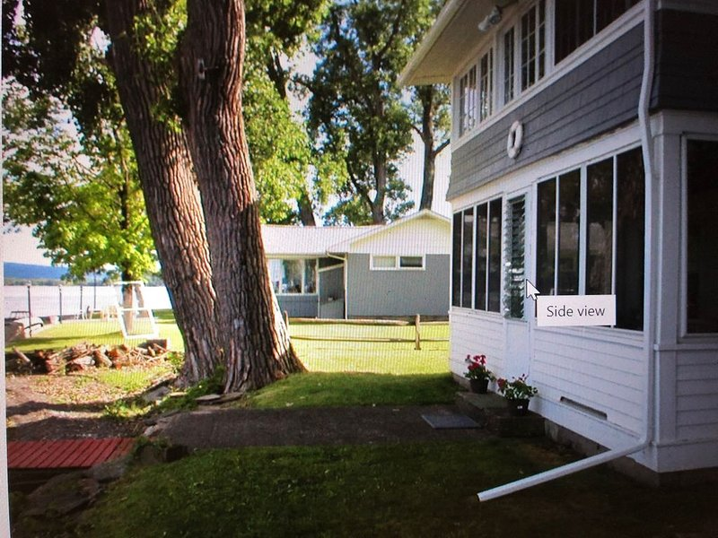 Beautiful Conesus Cottage, holiday rental in Wayland