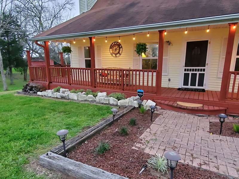 Country home located between Bellville, Cat Spring and Sealy, Texas., holiday rental in Wallis