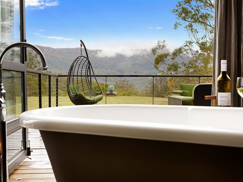 Unlike no other home, this simply stunning Black Star Barn Accommodation..., holiday rental in Kangaroo Valley