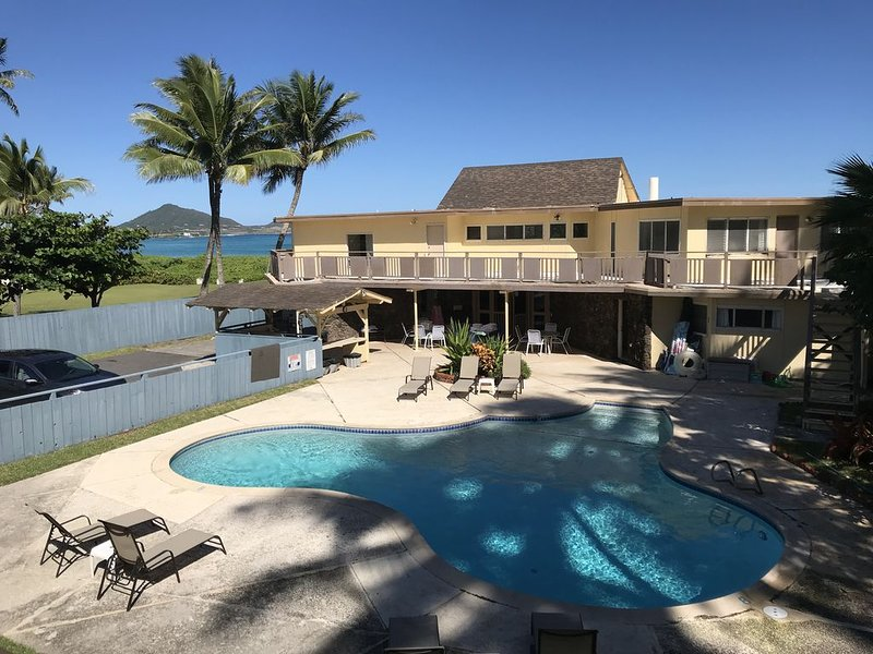 25% OFF 11/15/20 - 12/3/20 7 DAY STAY/ OR BOOK 7 DAYS - GET 8 DAYS! -, location de vacances à Kailua