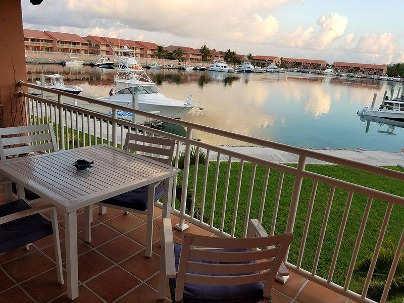 Bimini Sands/Cove Marina 1 Bed+Loft/2Ba   8F, casa vacanza a Alice Town
