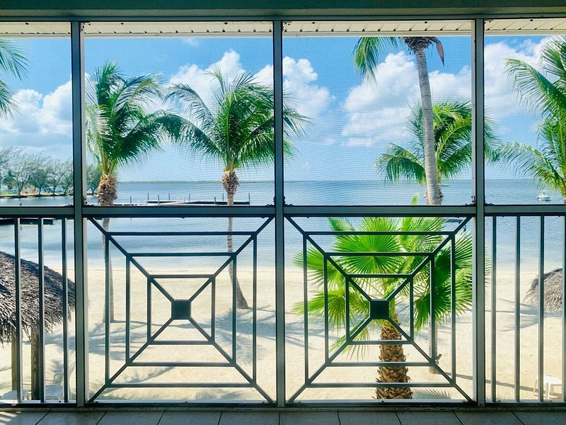 Serenity and Sunsets-Kai-Aah a 2Bed/2 Bath beachfront Condo in Kaibo, Cayman Kai, holiday rental in Rum Point