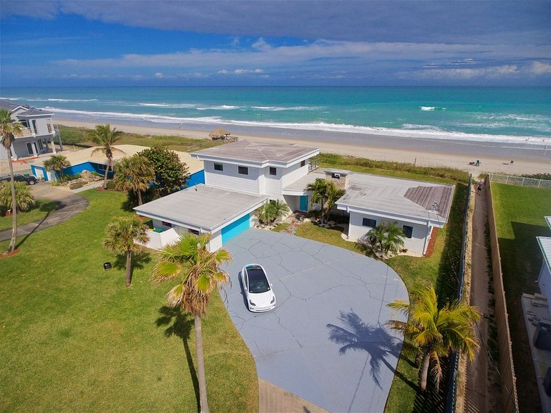 Oceanfront House in the Space Coast, holiday rental in Indialantic