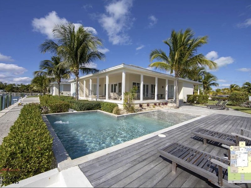 Luxury Ocean View Estate, holiday rental in Bimini