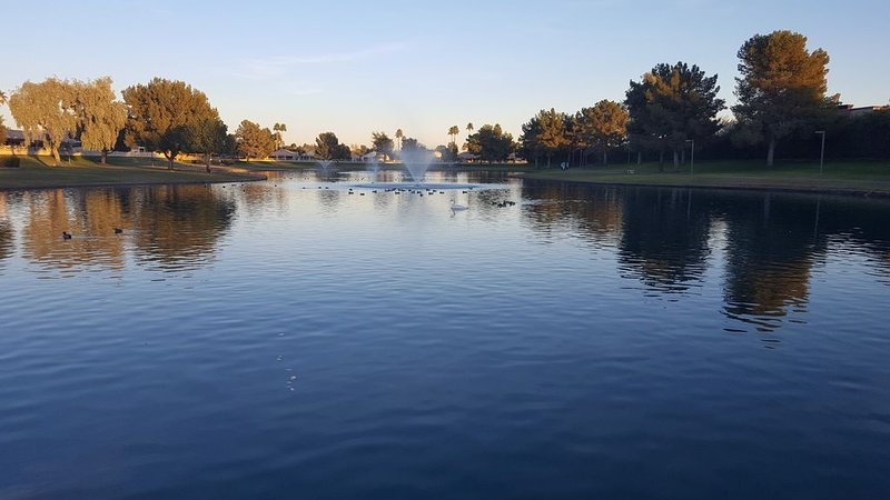 Sanitized In Sun Village - Pondside On 15th Tee, vacation rental in Surprise