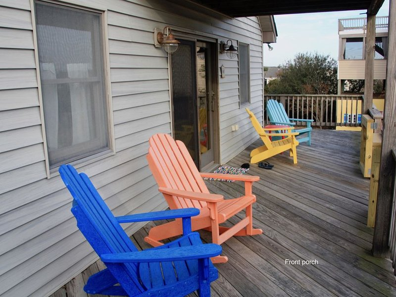 NEW LISTING!! 300 YARDS from the OCEAN FRONT in the heart of DUCK, holiday rental in Duck