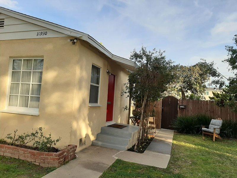 Culver City, West Los Angeles  Vacationer's favorite, 15 min to LAX/Santa Monica, vacation rental in Culver City